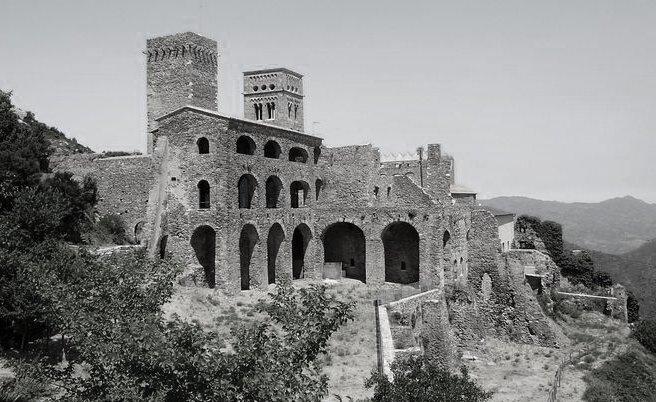 Le monastère de Sant Père de Rodes - El port de la Selva
